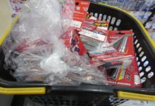 今日は~♪イーグルレーシング商品入荷たくさんですっ(^o^)vラジコンコーナー!!